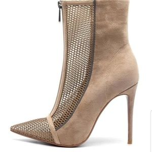 Cape Robbin Nude Stiletto Pointed Toe Ankle Boots